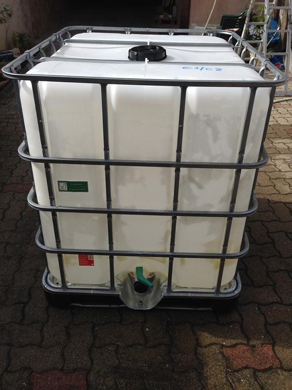 Cuve 1000 litres (récupération eau de pluie) IMG_5852.JPG
